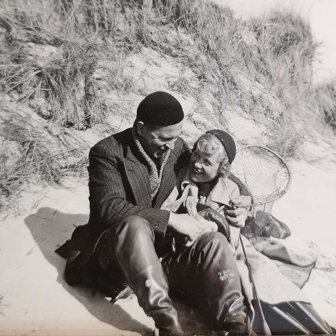 Eilert Smith and wife Aud at the beach